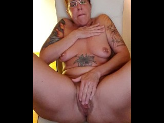Horny MILF wellness: Rosalie is watching porn and fisting her greedy pussy