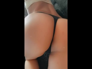 Big hot ass wainting for a big cock/waiting for daddy to fuck me