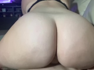 Poppy Peach gets fucked on her couch ;)