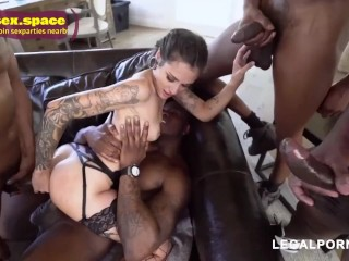 avid lover of big cocks flattered by gangbanging