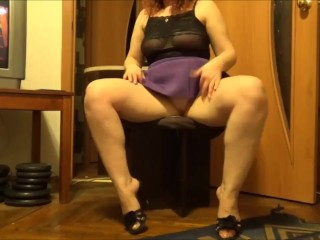 Juicy lady changes her panties and skirt
