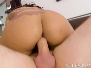 Jules Jordan - Big Booty Babe Halle Hayes Shows Off Her Anal Skills