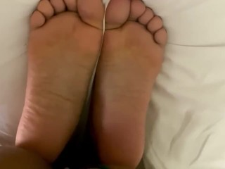 Black Girl Gets Creampie & Pushes it Out into Her Black Feet