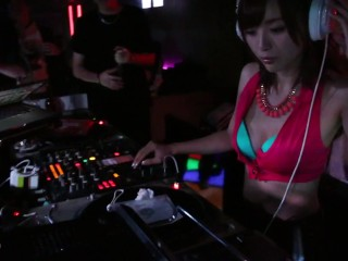 [OURSHDTV]Sexy Japanese adult video actress visiting Taiwan night club