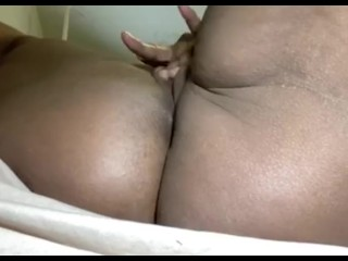 ...lil squirt action