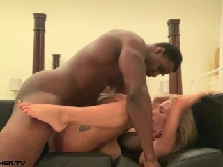 Hotwife Mary Gets a Creampie From Her Bull