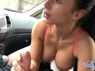stranger help girl to lift her heavy bags in exchange of a blowjob in his car. they get caught