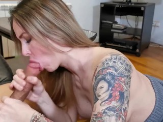 Slutty hot wife sucking a huge cuckold cock in front of her husband. Wetkelly