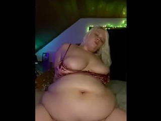 Cute Bbw riding dildo & showing belly!