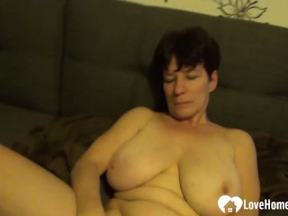 Sexy older slut is pleasuring her drenched pussy