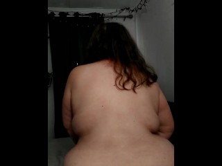 Chubby bbw reverse cowgirl pillow fuck