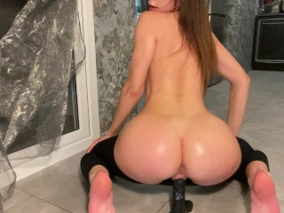 Young babe with big ass oiled up riding bbc