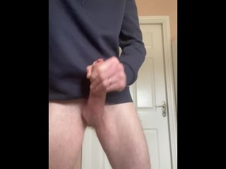 Hot cumshot in bathroom whole family outside