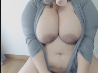 Horny BBW squirts all over chair.