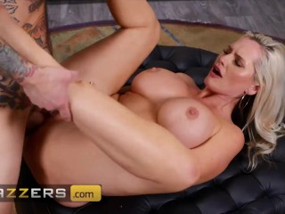 Brazzers - Busty MILF Alena Croft Seduces Her Colleague To Fuck Her At Work