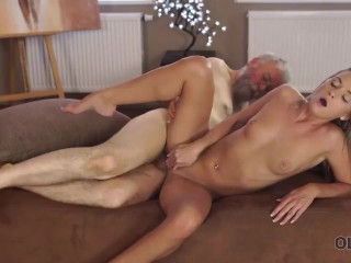 OLD4K. Mature guy with beard impales blonde disciple on the daybed