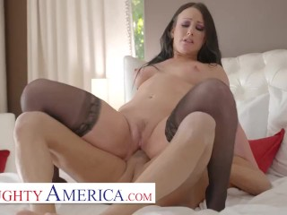 Naughty America - Jennifer White will do anything to stop her husband from being bullied
