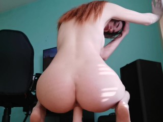 Horny loves to orgasm on her big dildo