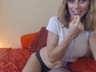 Phone Sex With ChatWithTara.com You'll Suck Cock To Get My Pussy! Bi Tease