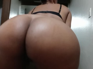 Big booty LAtina needed ass massage before she goes off to bed