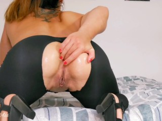 Self fisting anal strech , pussy fisting and squirting !!! -aprilbigass-
