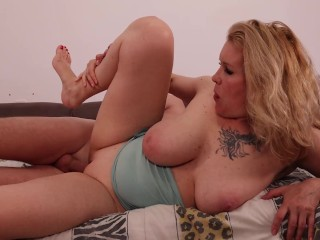 Busty Mom Craves Fucking Again. Today she wants a doggystyle. Hot Pawg Milf