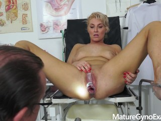 Hot blonde fisted till she cums by her gynecologist