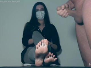 CFNM jerk off in front of girlfriend and cum on feet _ 5