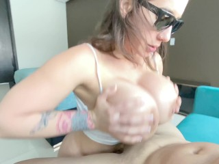 Big Ass Amateur Babe gets a Rough Sweaty Fuck after he came back from a run