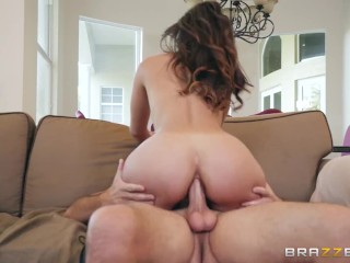 Brazzers - Bubble Butt Kelsi Monroe, Convinces the Haters her Ass is Real and Perfect