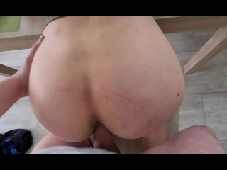 My mature wife blew up ass,  on the table, I fucked her quickly and I got her juicy ass