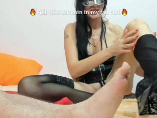 Brunette decently foot blowjod and then foot fist
