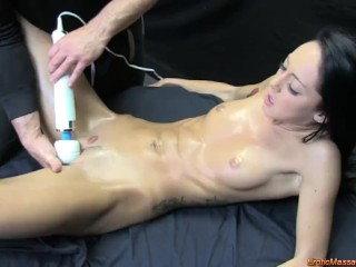Highly Orgasmic Girl Squirts, Sucks and Fucks During Erotic Oil Massage