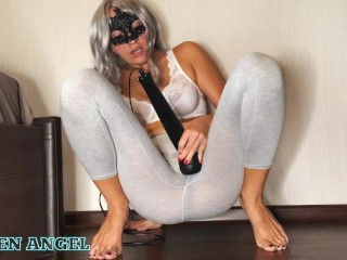 SQUIRT IN LEGGINGS FROM A MAGIC WAND - MY FAVORITE HITACHI