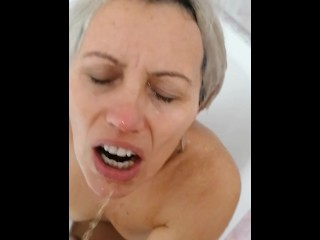 I love getting pissed in my mouth