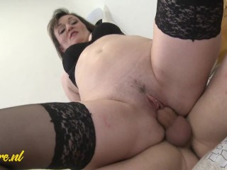 Horny Step Mom Wants Morning Creampie From Step Son