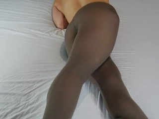 MILF Masturbates With Crossed Legs, Real Female Orgasm Without Hands