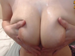 Hot Milf Sucks Her Milky Tits Shakes Milking Boobs And Squirt Milk