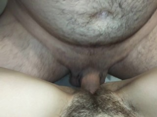 FIRST SEX WITH A HAIRY PUSSY. HAIRY PUSSY GETS CUM FAST