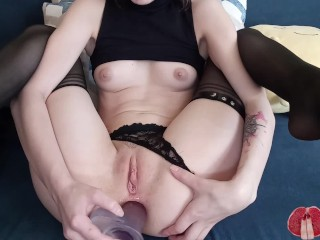 Anal cowgirl Lina Moore satisfying her ass