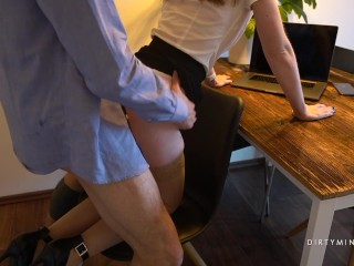 Girl in stockings and high heels fucked in home office during the quarantine