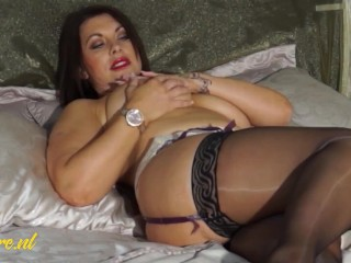 Posh Mother With Big Naturals In Sexy Lingerie Pleases Herself