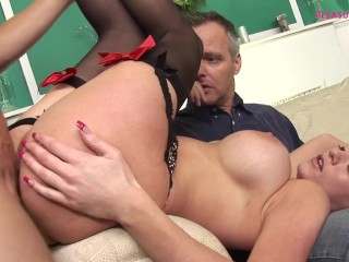 HORNY MILF WITH SEXY STOCKING FUCK BIG COCK IN FRONT OF HER HUSBAND