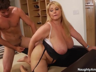 Naughty America - Find Your Fantasy Samantha 38G giggles when cum hits face