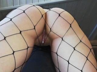 QUICK SEX OF A YOUNG BITCH WITH CUM INSIDE