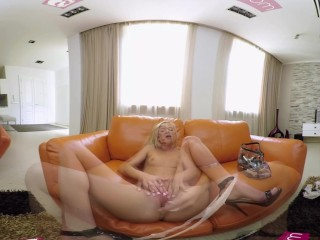 VR PORN - Teen Vinna Reed Play With A Big Glass Dildo