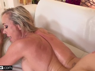 Squirting Brandi Love loves having a thick dick in her pussy