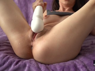 Maximum Speed Vibrations Turns My Pussy Into A Squirting Fountain