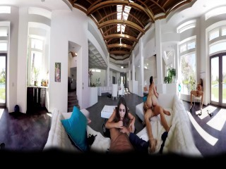 BaDoinkVR.com Amazing Group Sex - A 360° Experience With August Ames