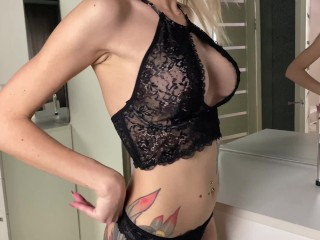 A GIRL IN SEXY LINGERIE CAME FROM A PARTY AND BEGAN TO SATISFY HERSELF